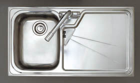 Astracast Sink Lausanne 1.0 bowl stainless kitchen sink with right hand drainer.