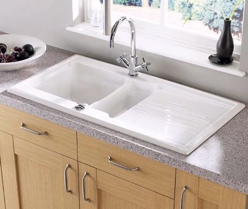 Example image of Astracast Sink Equinox 1.5 bowl ceramic kitchen sink.